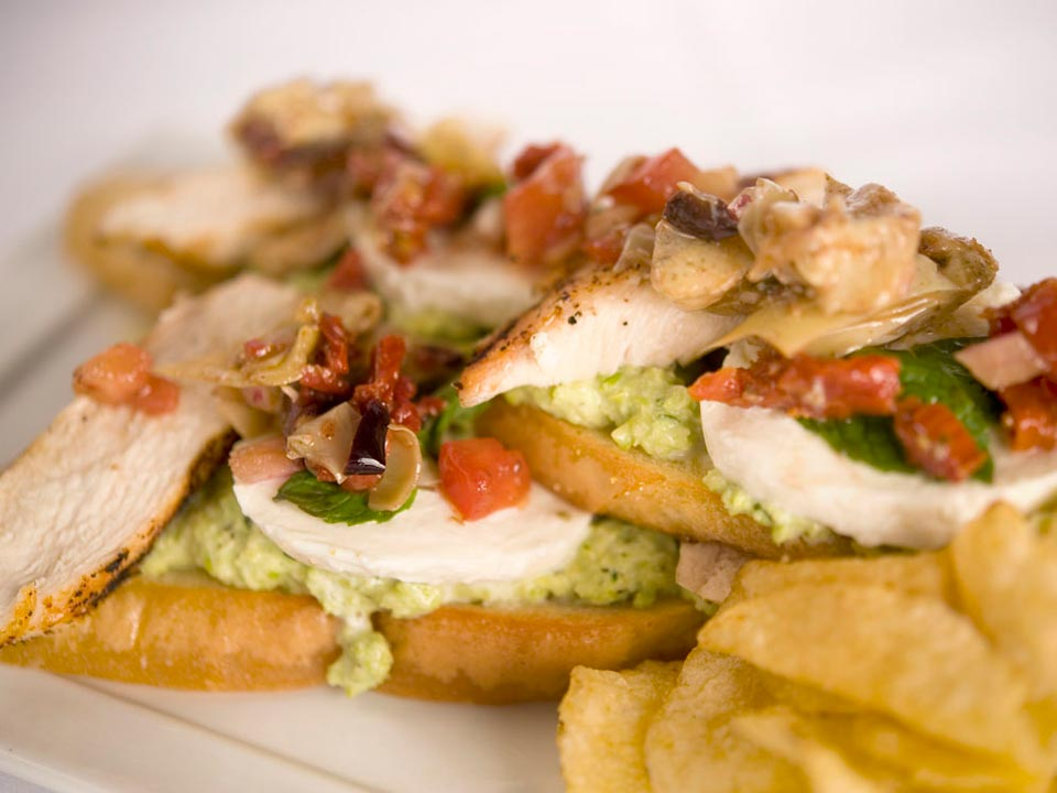 Green Chickpea Pesto Chicken Flatbread Image